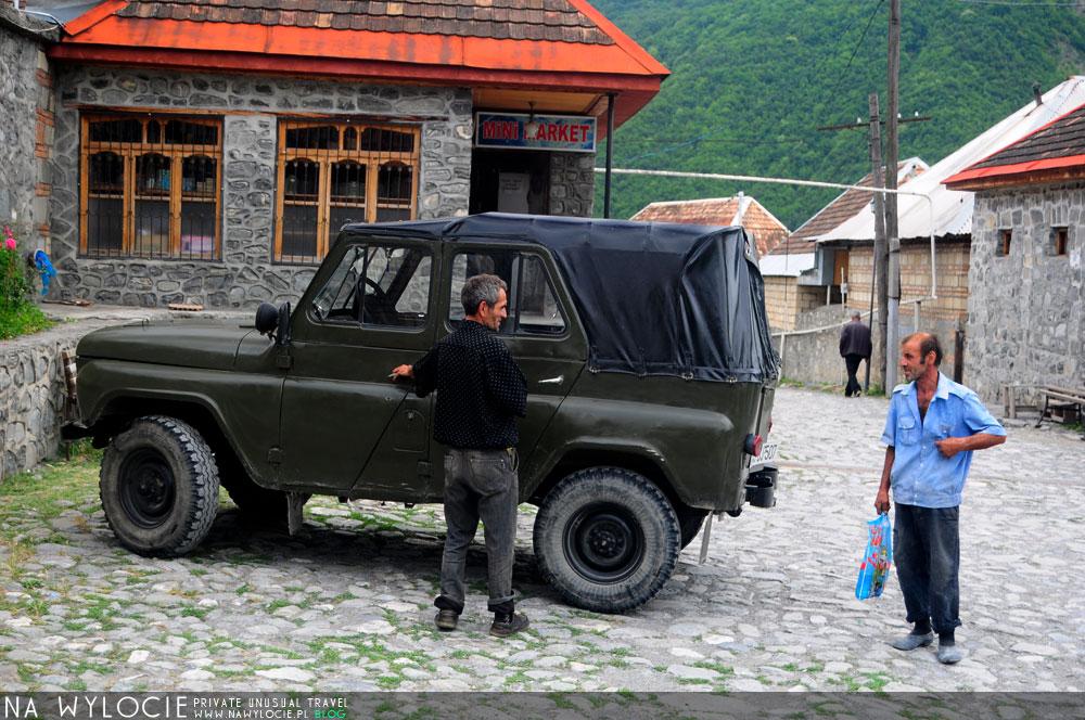 azer114
