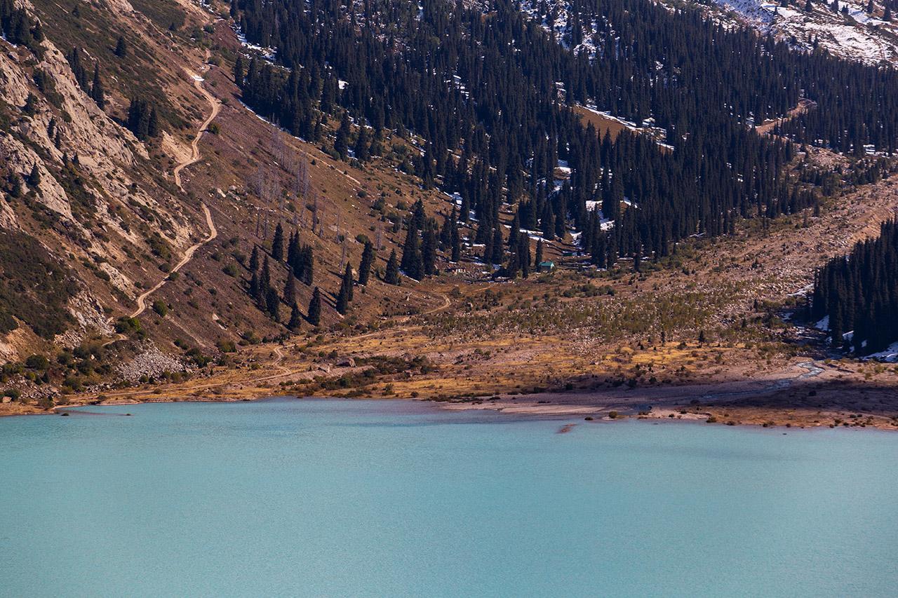 Big Almaty Lake w Kazachstanie